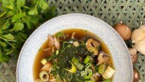 Rezept Asia-Hähnchen-Spinat-Eintopf - Asia Hähnchen - TCM Ernährung - 5 Elemente - Anna Reschreiter - annatsu