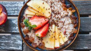 Rezept fruchtiges Haferflocken Porridge aus der TCM - Porridge - Haferflocken - TCM Ernährung - 5 Elemente - Anna Reschreiter - annatsu