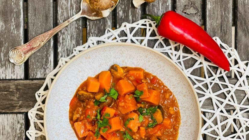 Rezept Süßkartoffelgulasch - Gulasch - TCM Ernährung - 5 Elemente - Anna Reschreiter - annatsu