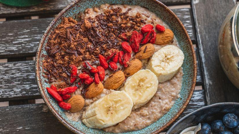 Rezept Schokolade Porridge mit Bananen aus der TCM - Porridge - Haferflocken - Schokolade Porridge - TCM Ernährung - 5 Elemente - Anna Reschreiter - annatsu