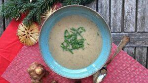 Weihnachtliche Topinambur-Suppe - 5 Gänge TCM Weihnachtsmenü - TCM Ernährung - Ernährungsumstellung - 5 Elemente - TCM Ernährungsexpertin - Anna Reschreiter - annatsu