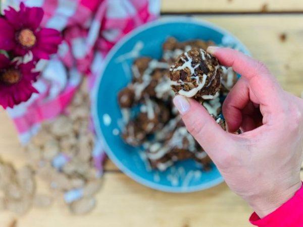 Rezept Energiebällchen nach der TCM - Energyballs - gesunder Snack - TCM Ernährung - 5 Elemente - Anna Reschreiter - annatsu