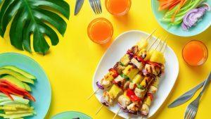 Podcast - Die richtige Ernährung im Sommer laut der TCM - TCM Ernährung - 5 Elemente Ernährung - TCM Ernährungsberatung - Anna Reschreiter - annatsu - Julia Gruber