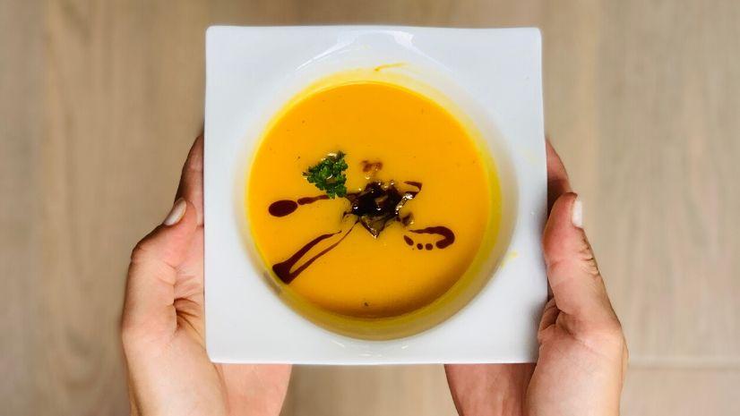 Rezept Kürbiscremesuppe mit Maroni - Suppe - TCM Ernährung - 5 Elemente - Anna Reschreiter - annatsu