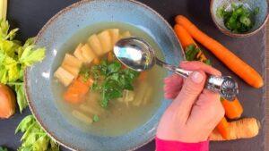 Rezept Gemüsekraftsuppe nach der TCM - Kraftsuppe - TCM Ernährung - 5 Elemente - Anna Reschreiter - annatsu