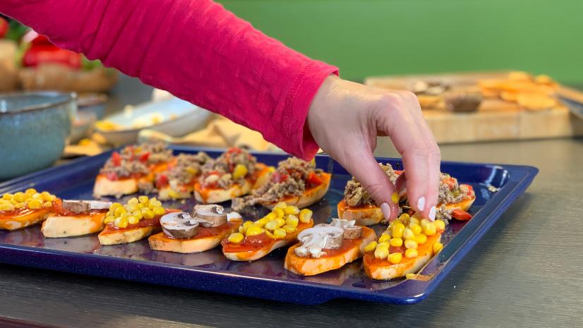 Rezept Süßkartoffel Pizza - einfache Rezepte - schnelle Küche - Ernährungsumstellung - TCM Ernährung - 5 Elemente Küche - TCM Ernährungsexpertin - Anna Reschreiter - annatsu